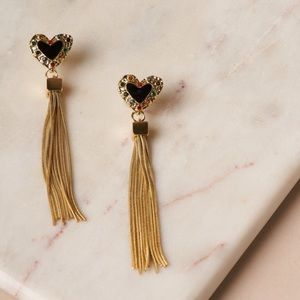 Jewelry - 🆕 Black & Gold Fringe Heart Earrings